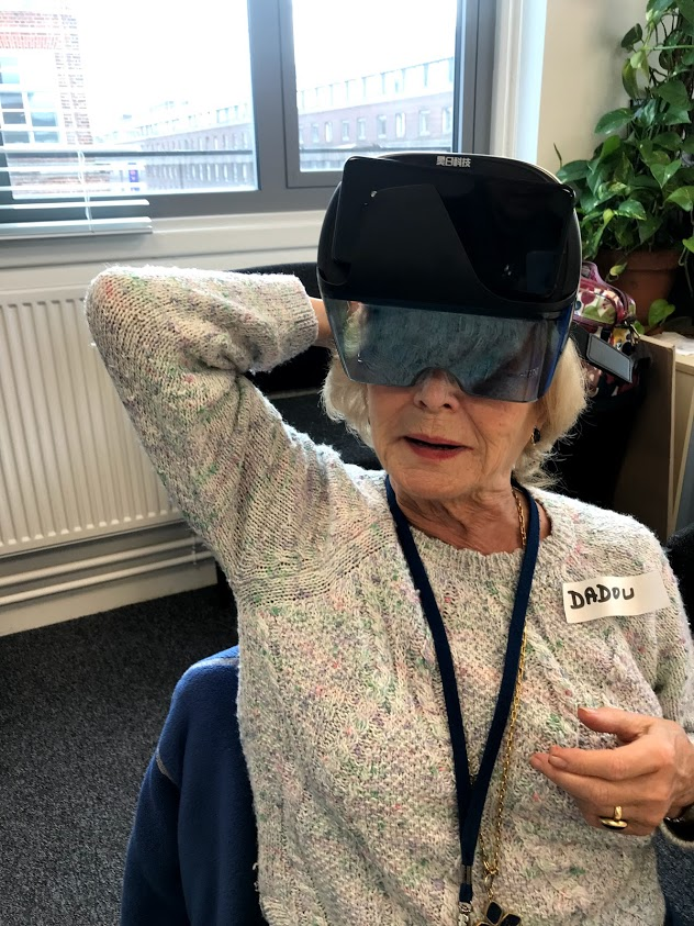 an augmented reality cognitive game, combined with auditory exercises and a physical activity planner.